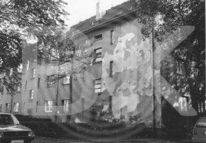 Wohnhäuser am Buckauer Bahnhof 1994